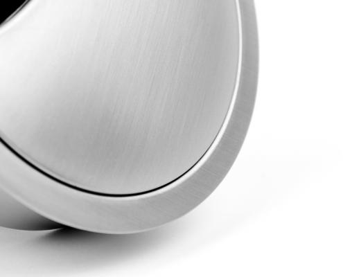 TecLines TKD001 Tisch Kabeldurchführung 60x21 mm, Detailansicht